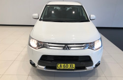2014 Mitsubishi Outlander ZJ ES Awd wagon Image 3