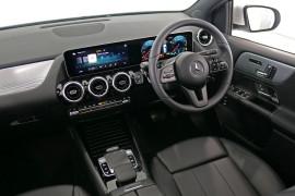 2019 Mercedes-Benz B180 W247 B180 Hatchback Image 5