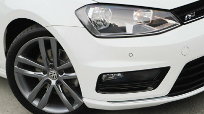 2014 MY15 Volkswagen Golf VII MY15 110TDI DSG Highline Hatchback Image 2