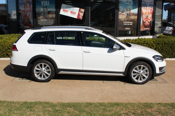 2019 Volkswagen Golf Alltrack 7.5 132TSI Wagon Image 4