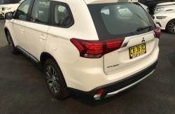 2017 Mitsubishi Outlander ZL ES Suv Image 5