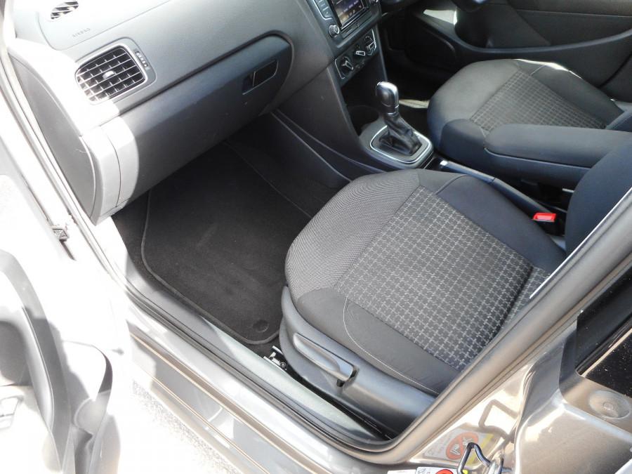 2015 Volkswagen Polo Hatchback Image 13