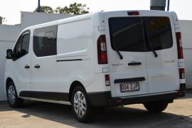 2019 Renault Trafic L2H1 Crew Van Image 3