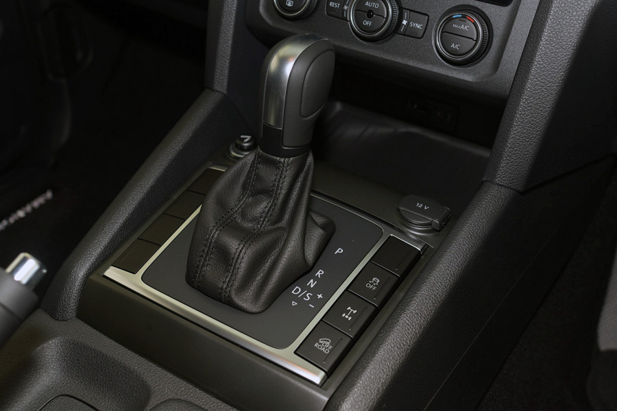 2019 MYV6 Volkswagen Amarok 2H Highline Black 580 Utility Image 17