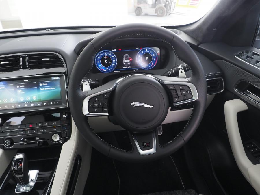 2020 Jaguar F-pace Suv Image 10