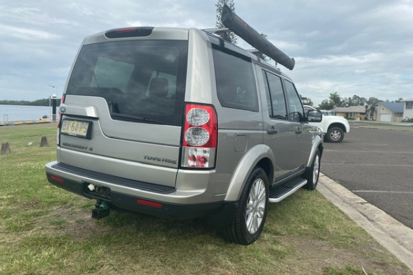 2011 Land Rover Discovery 4 Vehicle Description.  4 MY11 SDV6 HSE WAG CMND 6SP 3.0DTT SDV6 Wagon Image 3