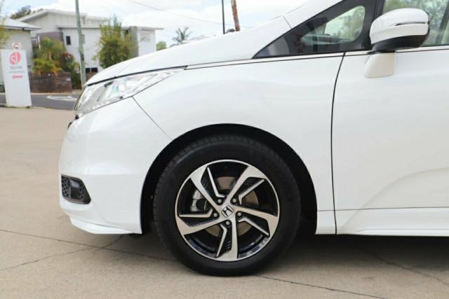 2015 Honda Odyssey 5th Gen VTi-L Wagon Image 6