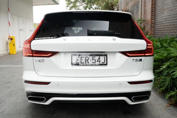 2020 Volvo V60 F-Series T5 R-Design Wagon Image 4