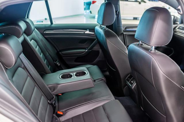 2016 Volkswagen Golf 7 R Hatchback Image 20