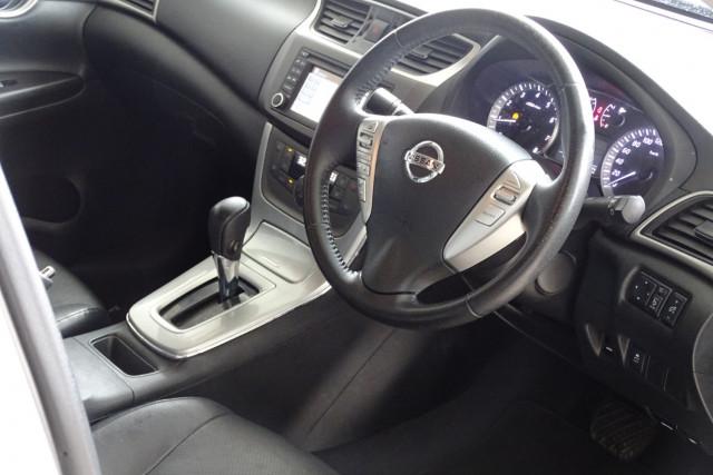 2013 Nissan Pulsar Ti 18 of 26