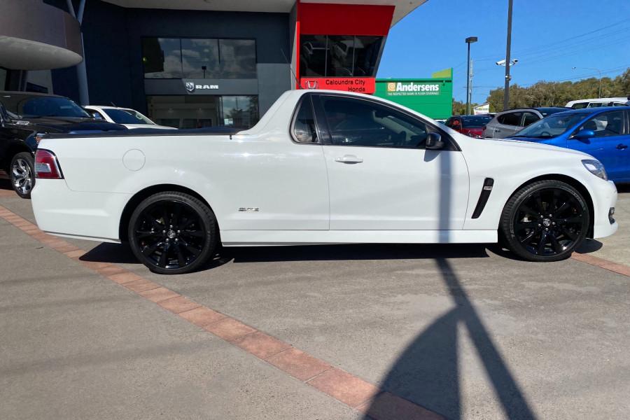 2016 Holden Commodore VF II  SV6 Black Utility Image 22