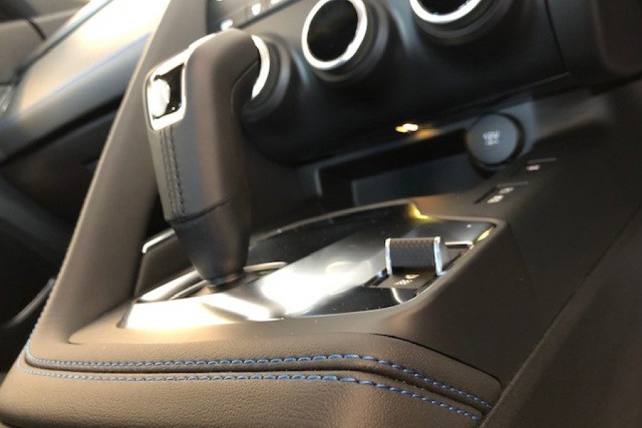 2019 MY20 Jaguar E-PACE X540 20MY D180 Suv Image 12