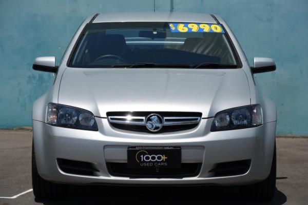 2009 MY09.5 Holden Commodore VE MY09.5 Omega Sedan Image 2