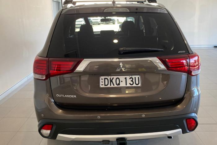 2015 MY16 Mitsubishi Outlander ZK MY16 LS Suv Image 16