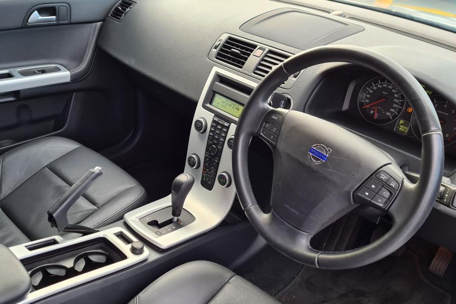 2012 Volvo S40 Vehicle Description. M  MY12 T5 Lifestyle SED GEAR 5sp 2.5T T5 Sedan Image 8