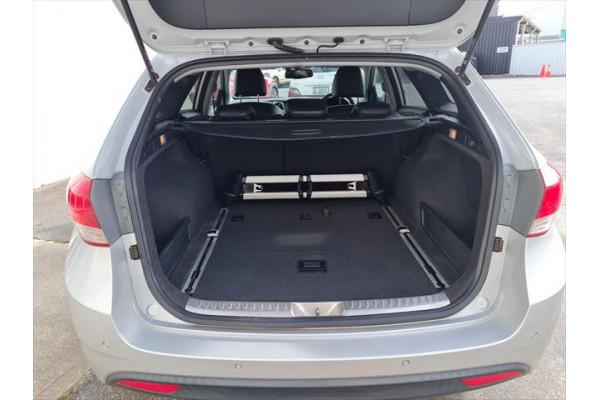 2011 Hyundai I40 Premium Wagon Image 5