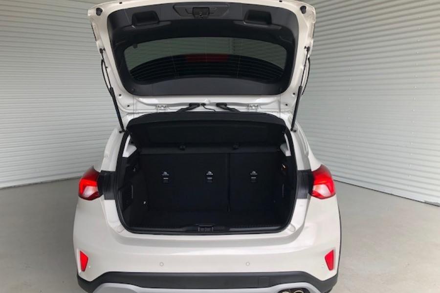 2019 Ford Focus ACTIVE 5D Hatchback Image 5