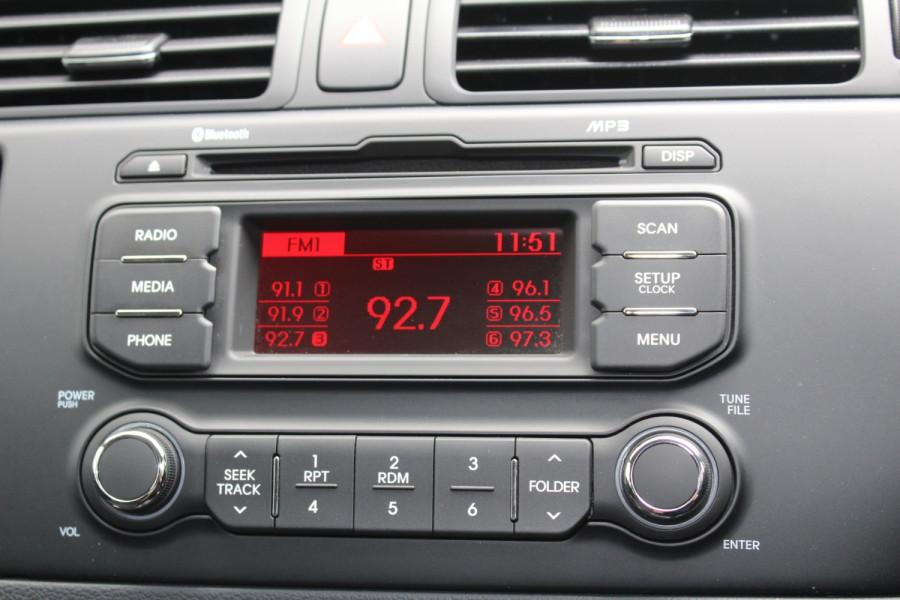 2014 Kia Rio UB  S Hatchback Image 16
