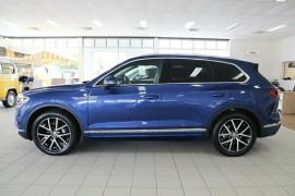 2019 Volkswagen Touareg CR Launch Edition Suv Image 4