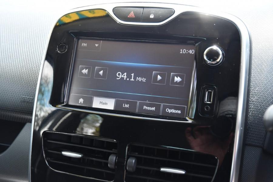 2015 Renault Clio IV B98 Expression Hatchback Image 16