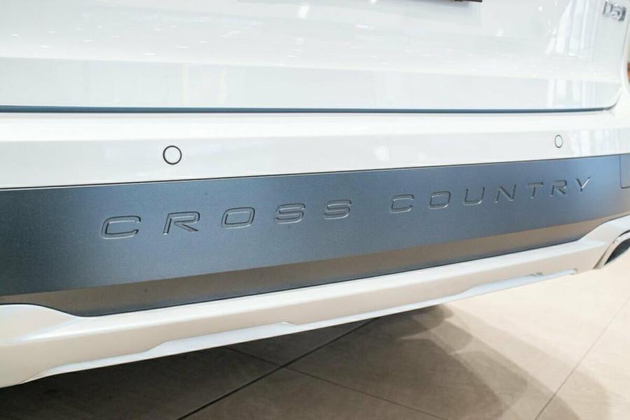 2019 Volvo V90 Cross Country D5 Wagon Image 16