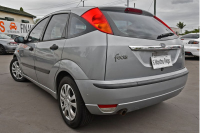 2003 Ford Focus LR MY03 CL Hatchback Image 3