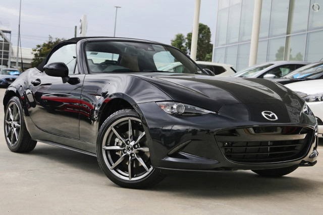 2019 Mazda MX-5 ND Roadster GT Targa Image 3