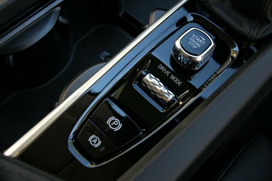 2019 MY20 Volvo XC60 UZ T5 Momentum Suv Mobile Image 16