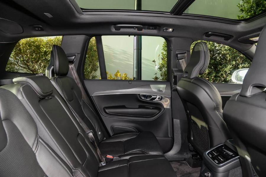 2018 MY19 Volvo XC90 L Series T8 R-Design Suv Mobile Image 9