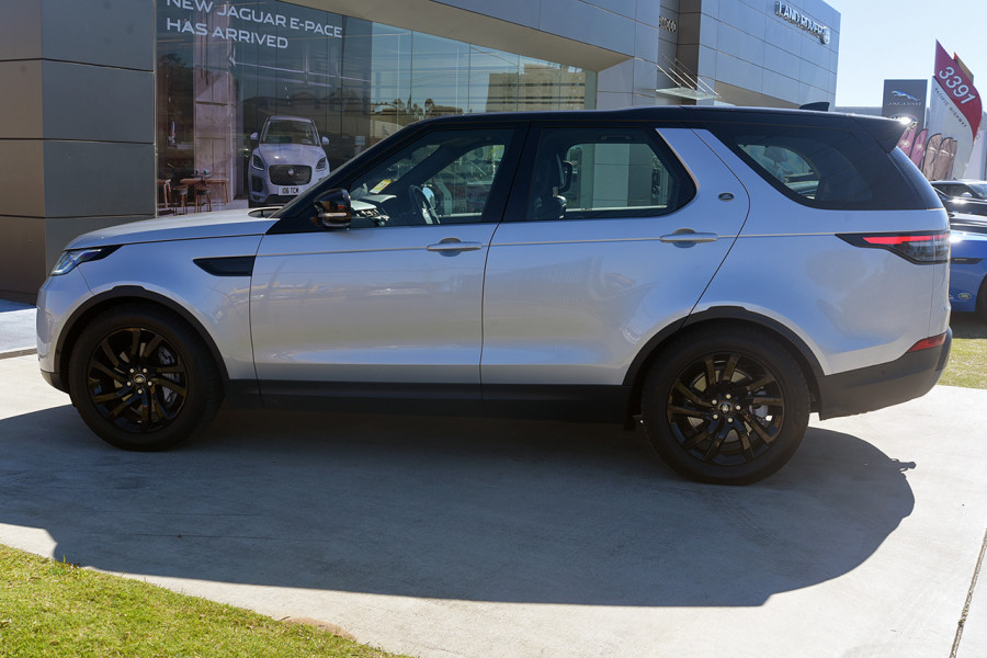 2018 MY19 Land Rover Discovery Series 5 SE Suv Mobile Image 7