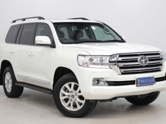 Toyota Landcruiser Sahara (4x4) Toyota Landcruiser Sahara (4x4) Auto