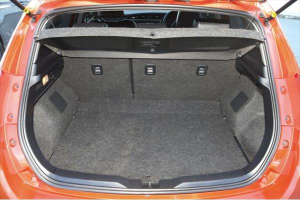 2013 Toyota Corolla ZRE182R Levin ZR Hatchback Image 4