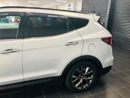 2018 Hyundai Santa Fe DM5  Active X Suv Image 5