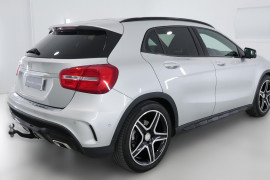 Mercedes-Benz Gla180 X156 808+058MY