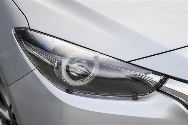 2017 Mazda 3 SP25 - Astina