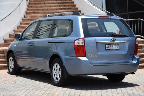 2009 MY07 Kia Grand Carnival VQ EXE Wagon Image 3