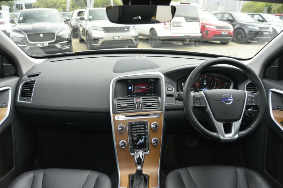 2015 Volvo XC60 LUXURY Suv Image 6
