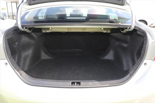 2014 Toyota Corolla ZRE172R SX Sedan Image 5