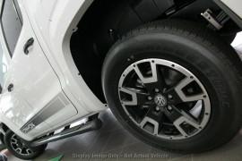 2019 MYV6 Volkswagen Amarok Canyon Canyon Utility Image 4