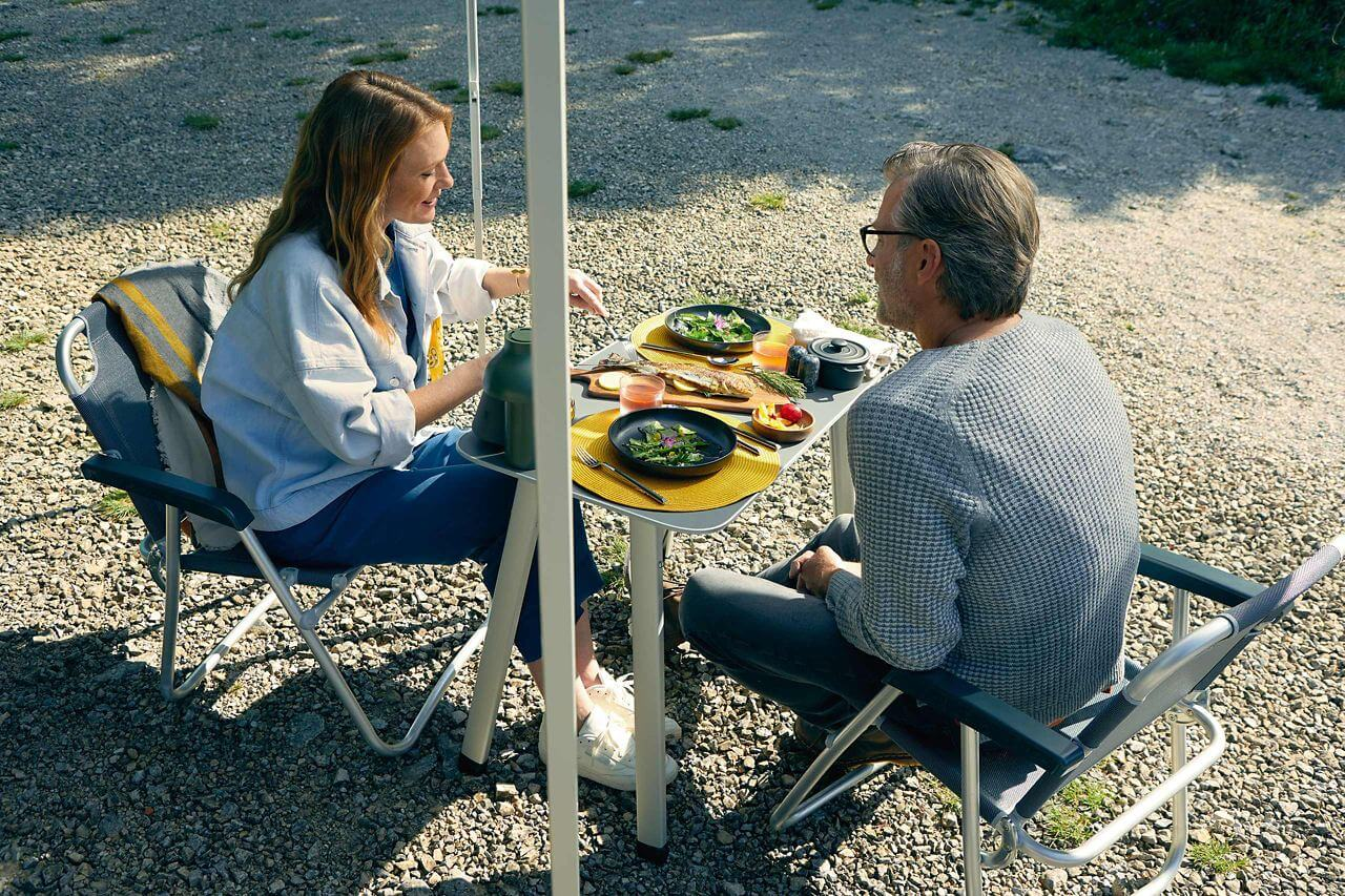 <strong>Outdoor dining</strong> in the wild Image