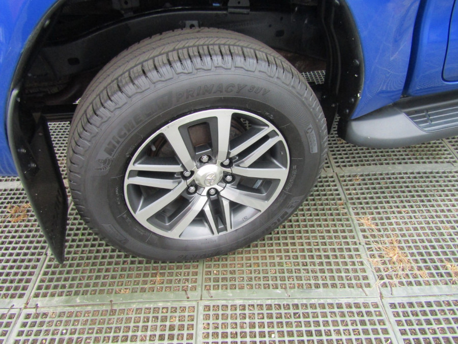 2017 Toyota HiLux GUN126R SR5 Utility Image 6