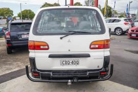 2000 Mitsubishi Starwagon WA GL Wagon