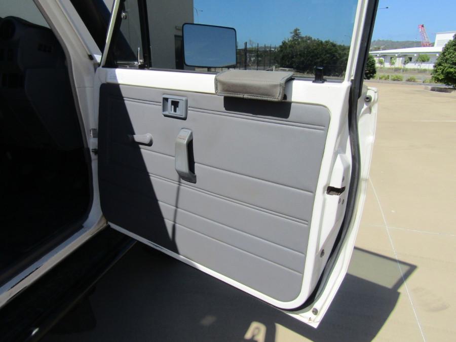 2013 Toyota Landcruiser VDJ79R MY13 GX Cab chassis Image 14