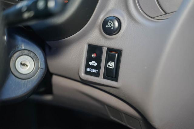 2000 Toyota Celica ZZT231R SX Liftback Image 11