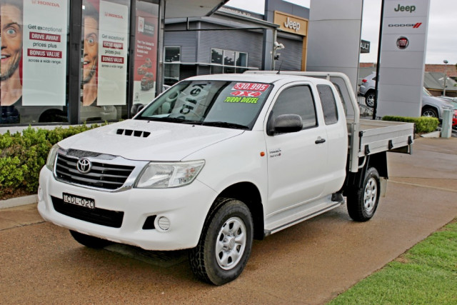 2011 MY10 Toyota HiLux KUN26R  SR Cab chassis - extended cab
