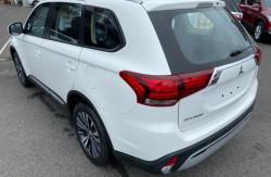 2018 Mitsubishi Outlander ZL ES 2wd wagon Image 5