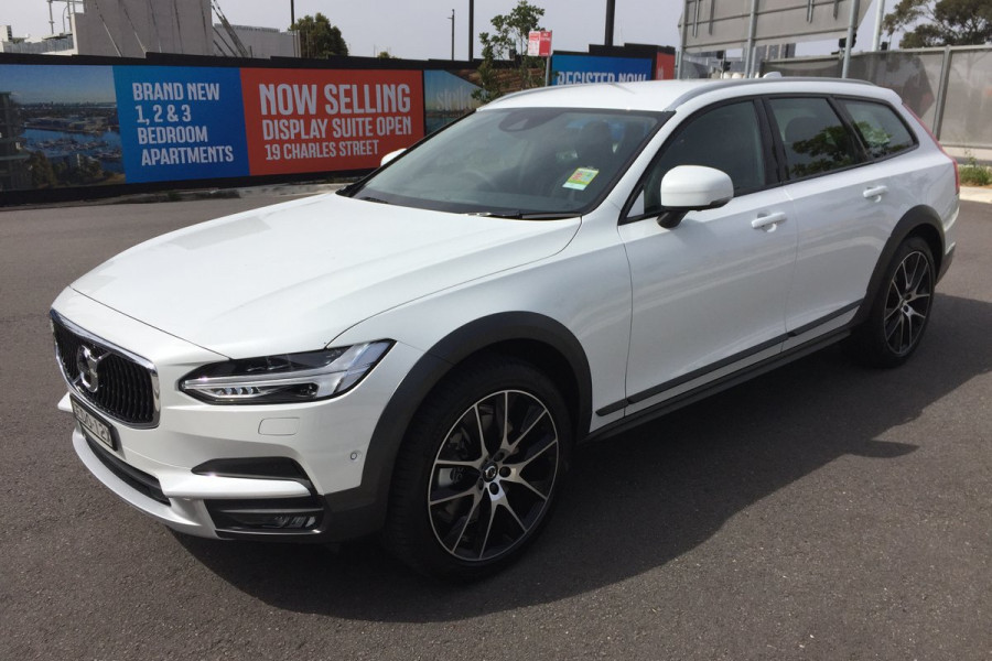 2019 Volvo V90 Cross Country MY20 4X4 On Demand D5 Hatchback Mobile Image 4