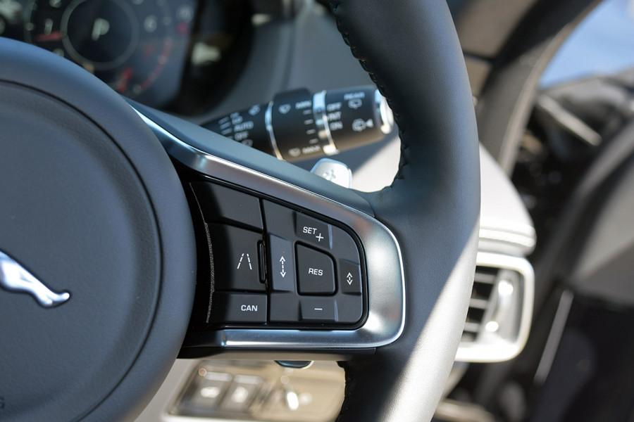 2019 MY20 Jaguar F-PACE X761 R-Sport Suv Mobile Image 20