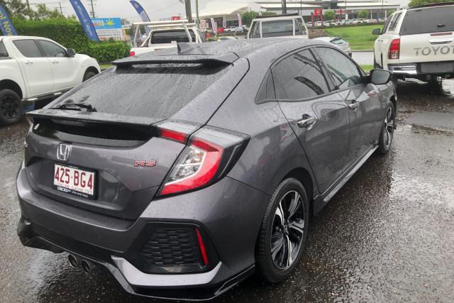 2017 Honda Civic Hatchback Image 3