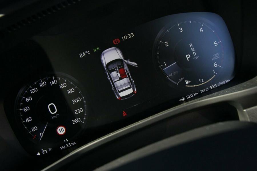 2018 Volvo XC40 Momentum Suv